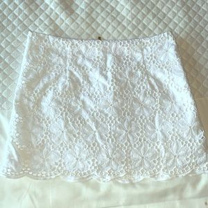Lilly Pulitzer white floral lace scalloped skirt!
